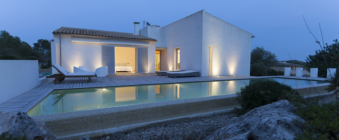 Luxury villa with pool and private terraces near the Pollensa Beach